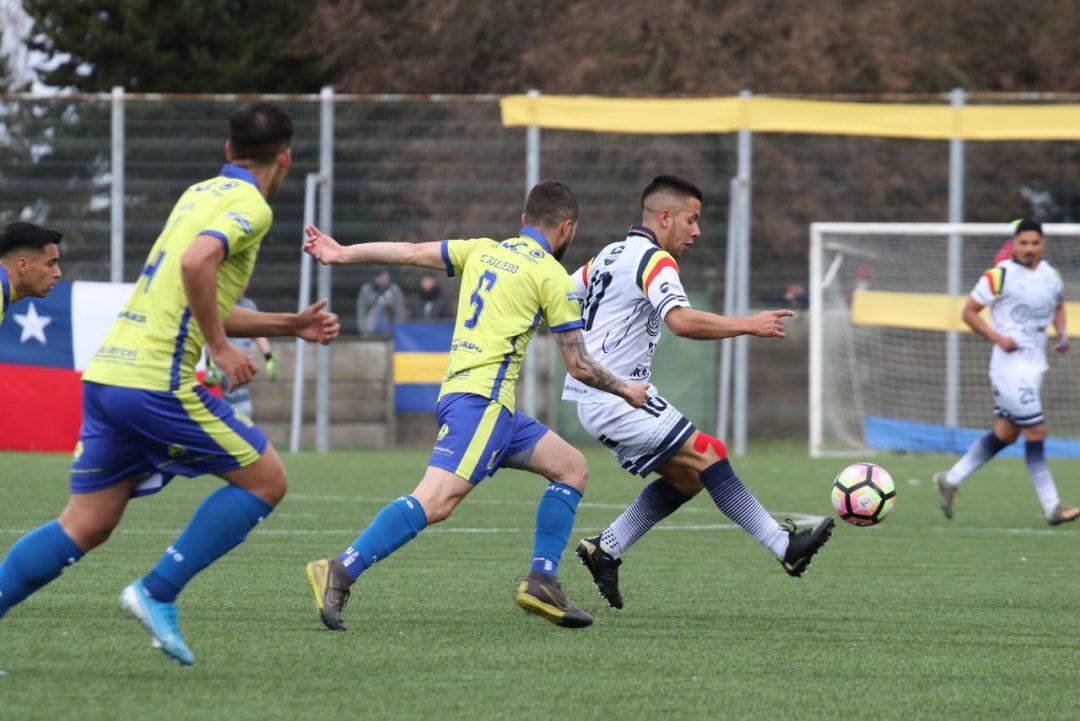 Provincial Osorno en su partido ante Provincial Ranco por la fecha 4 del torneo de Tercera División.